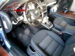 Fahrer- und Beifahrersitz sind stufenlos höhenverstellbar